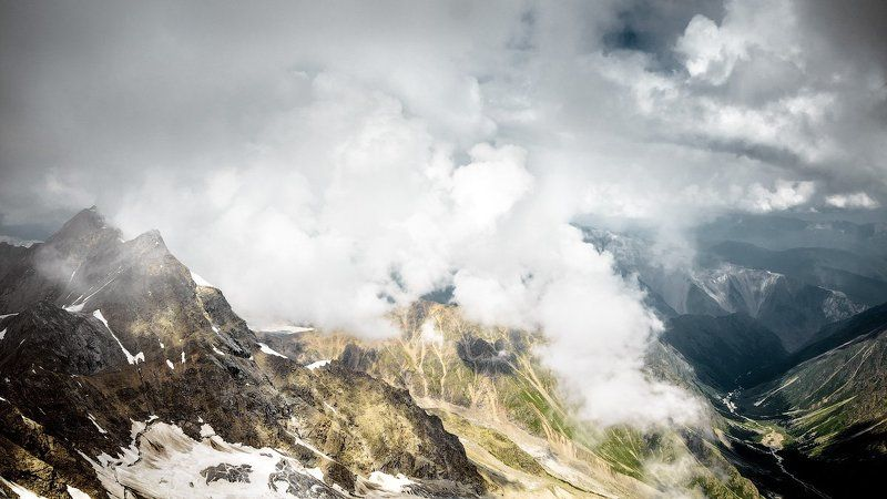 кавказ, адыр-су, горы, облака Cloud making machinephoto preview