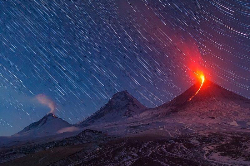 Камчатка, вулкан, извержение, пейзаж, фототур, путешествие, лава, ночь, звезды, природа Камчатская ночьphoto preview