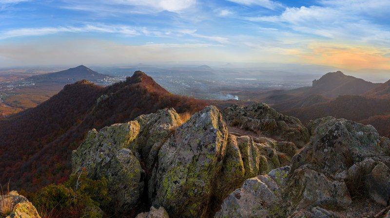 скалы,бештау,машук,пятигорск,осень, природа,пейзаж Вперед по скаламphoto preview