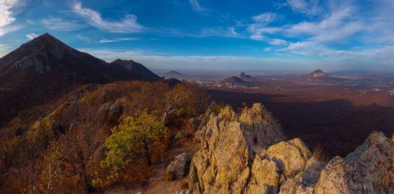 осень,бештау,козьи скалы,пейзаж,природа,октябрь,кмв,панорама Дорога домойphoto preview