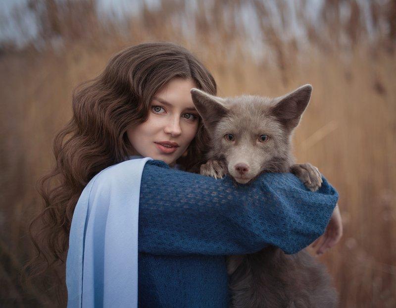 девушка, лиса, природа, портрет Ангелинаphoto preview