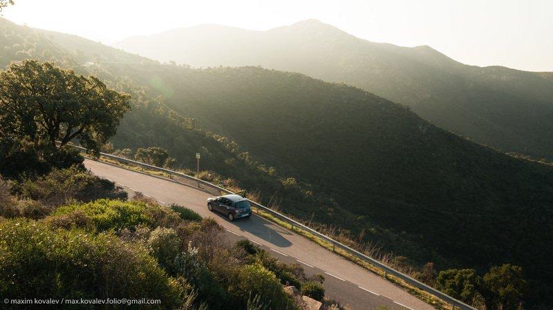 europe, spain, car, morning, mountain, nature, ray, road, transport, европа, испания, автомобиль, гора, дорога, луч, природа, солнечно, транспорт, утро, шоссе Привал / Halt on the wayphoto preview