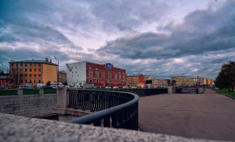 #санкт-петербург, , #обводный, канал, , #осень, , #набережная, #вечер, #перила, #гранит ***photo preview