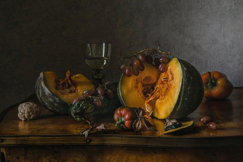 натюрморт, стекло, бокал, рёмер, тыква, перец, виноград Тыквенный деньphoto preview