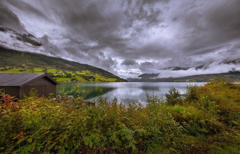 гейрангер, фьорд, норвегия, озеро, облака, домик, берег, Гейрангер фьорд. Норвегия.photo preview