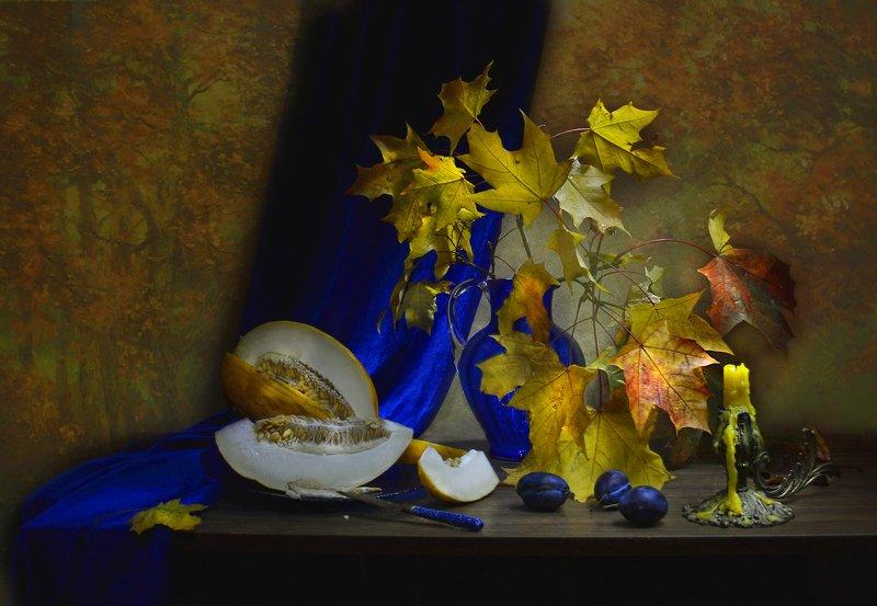 still life, натюрморт, фото натюрморт, осень, октябрь, кленовые листья, дыня свеча, подсвечник, сливы,, настроение ...казалось мне, что в старом парке...photo preview