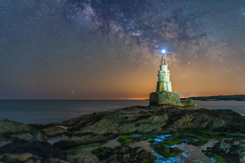 маяк в городе Ахтополphoto preview