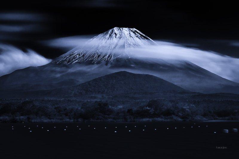 Fuji,Japan,mountain,snow,clouds,lake,buoys Lake where buoys floatphoto preview