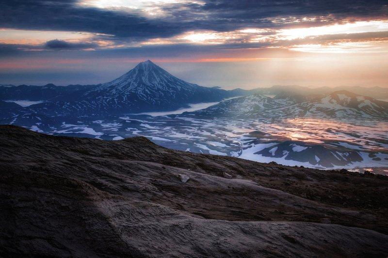 камчатка,вилючинский,рассвет,вулкан,kamchatka,vulkan Утро за складкой кулисphoto preview