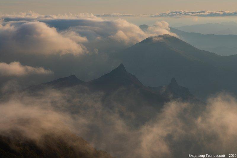 Гора Верблюд просыпаетсяphoto preview