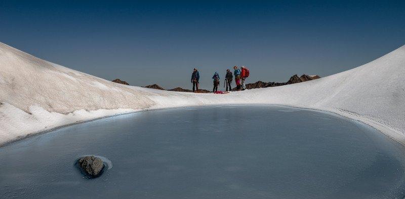Замерзшее озеро на гребне Кин-Чата.photo preview