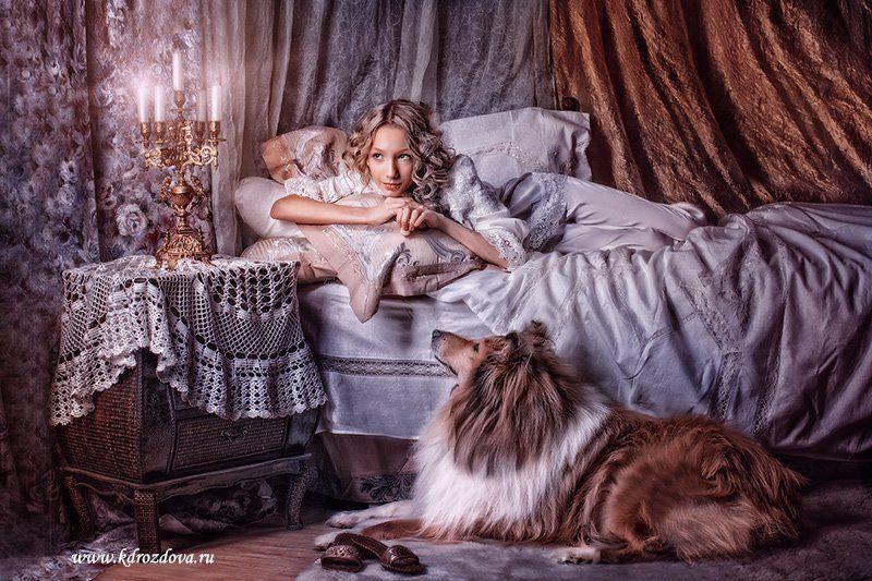 девочка , собака, постель,колли, свеча вечерphoto preview