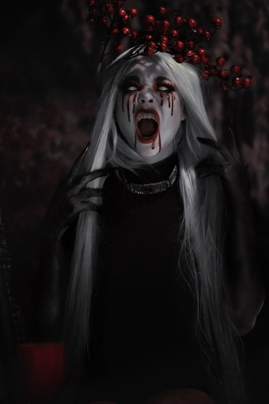 Душа призрак девушка проклятие портрет ужасы Вырваться из тьмыphoto preview