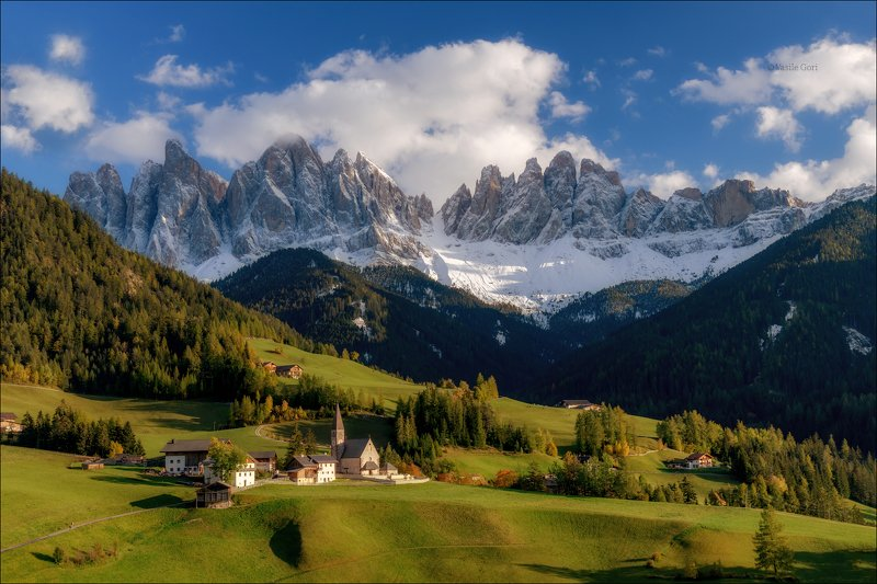 доломитовые альпы,santa maddalena,деревня,val di funes,осень,odle,италия,alps,ranui,san giovanni,церквушка Welcome to paradisephoto preview
