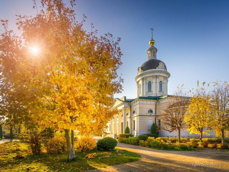 церковь михаила архангела, коломна, осень Церковь Михаила Архангела в Коломне.photo preview