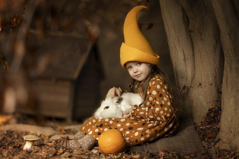 дети заяц гномик девочка осень тыква Гномочка и зайчикphoto preview