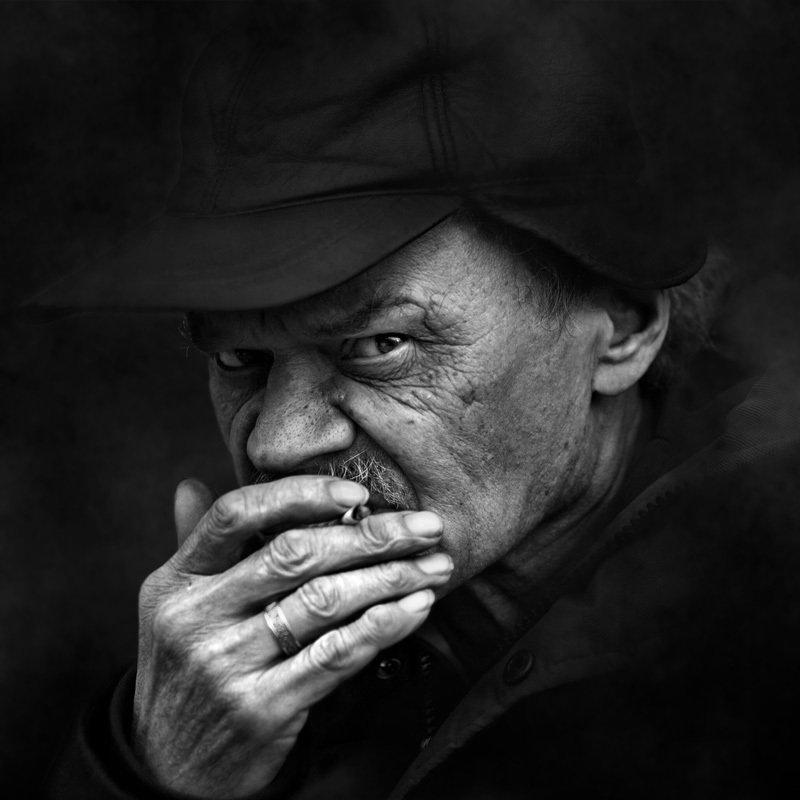 портрет, квадрат, калинин юрий ,ч/б фото, уличная фотография, юрец, люди, лица, город, санкт-петербург ,фотограф, лица протеста осторожныйphoto preview
