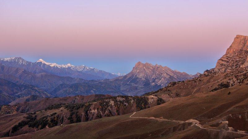 утро горы Восход с видом на Казбекphoto preview