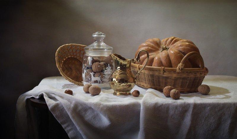 натюрморт, осень, тыква, фонарь, камелек, кувшин, орехи Ноябрь...photo preview