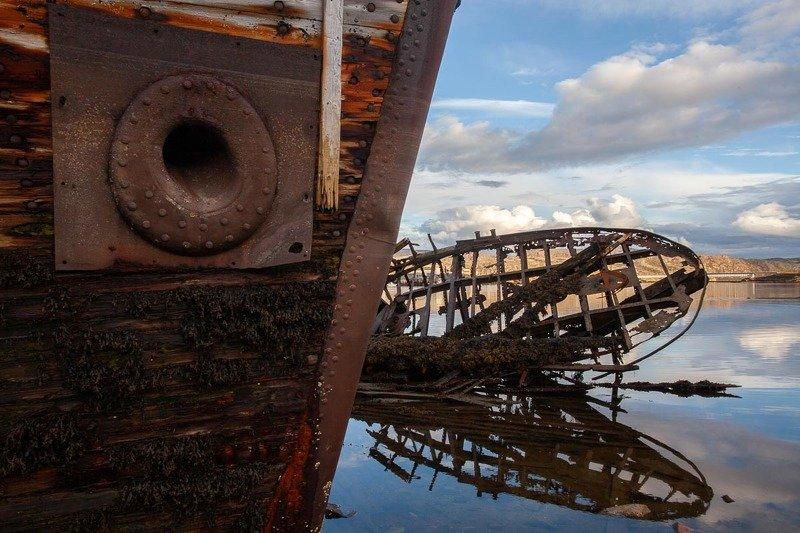 корабль, териберка, кладбище кораблей, каркас, разрушение, ржавчина, грустно, море, мурманская область Кладбище кораблей в Териберкеphoto preview