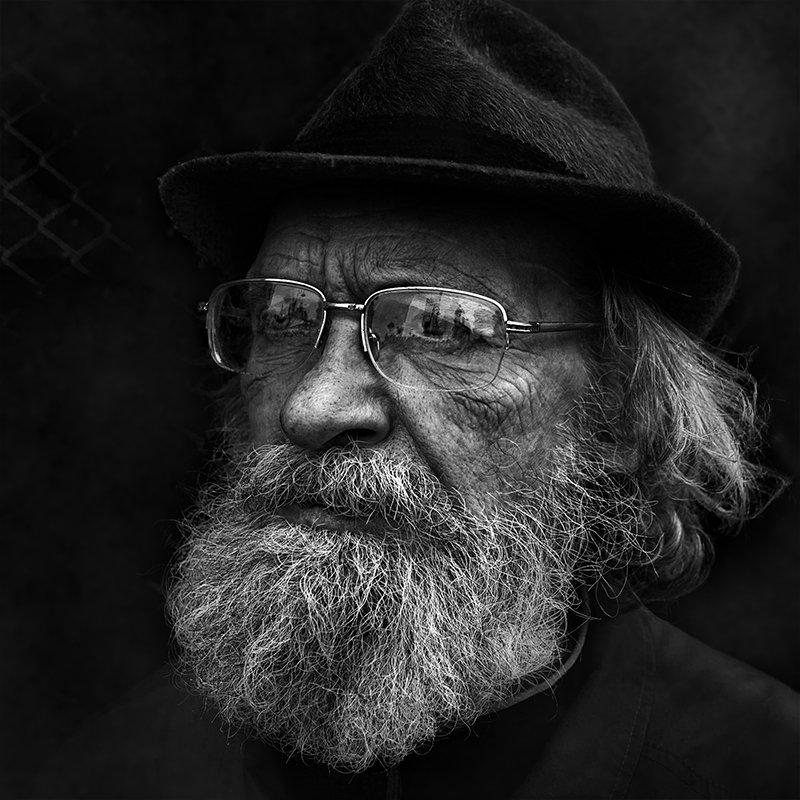 портрет, квадрат, калинин юрий ,ч/б фото, уличная фотография, юрец, люди, лица, город, санкт-петербург ,фотограф свет в окошкеphoto preview