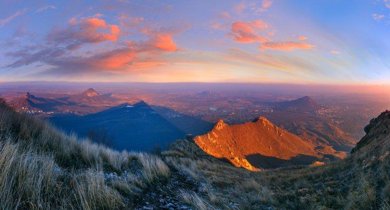 вечер,закат,бештау,тени,облака,пейзаж,осень,горы Про вечер, тени и облакаphoto preview