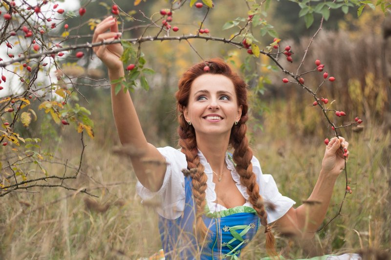 wild rose, People, Female, Mid Adult, One Mid Adult Only, One Person, One Mid Adult Woman Only, One Adult Only, Adult, Woman, One Woman Only, Outdoors, Nature, Mid Adult Woman, Day, Beauty, Autumn, Lady, Folk style, bavarian, Диана и сбор шиповникаphoto preview