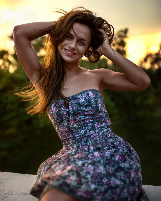 beauty, summer, evening, smiling Smilephoto preview