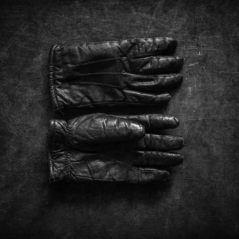 черно-белое Перчаткиphoto preview