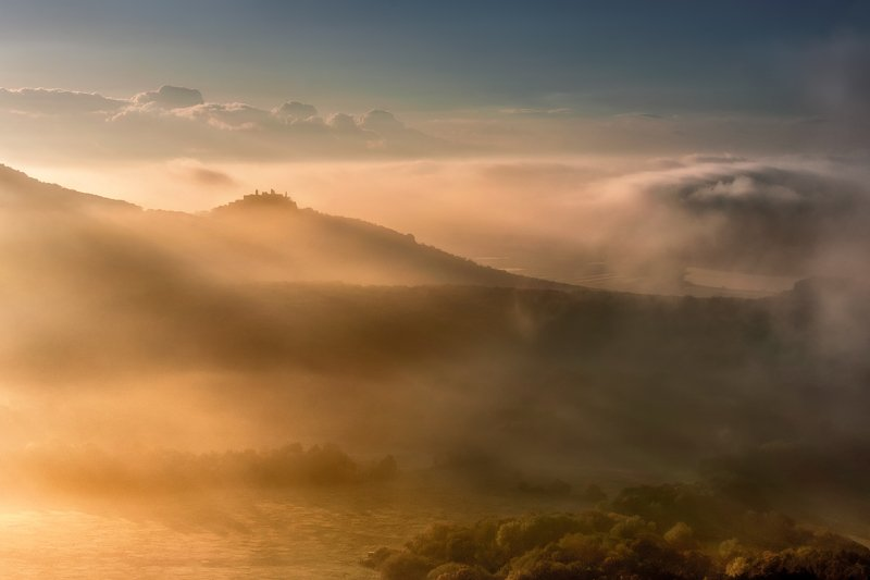 In the embrace of the fog фото превью