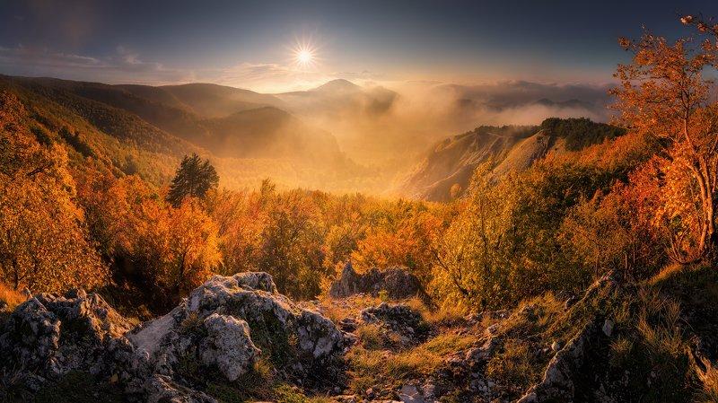 Autumn on a deer mountain фото превью