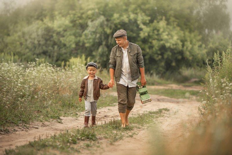 дети, деревенские дети, деревня, мальчики, мальчишки, братья Братьяphoto preview