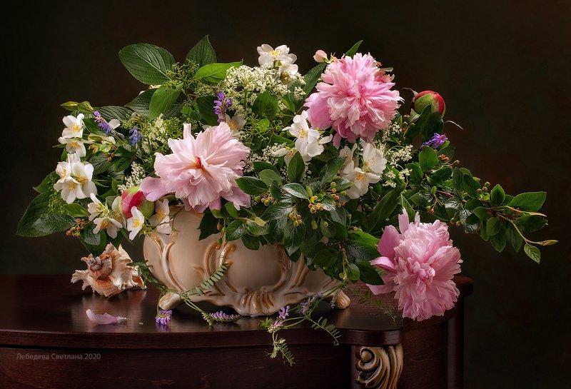пионы,цветы,букет Летний букет с ароматом жасмина и пионамиphoto preview