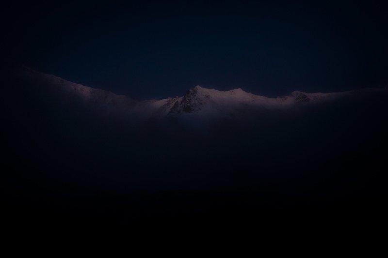 Пп. Шота Руставели и Джанги на закате. Безенги.photo preview