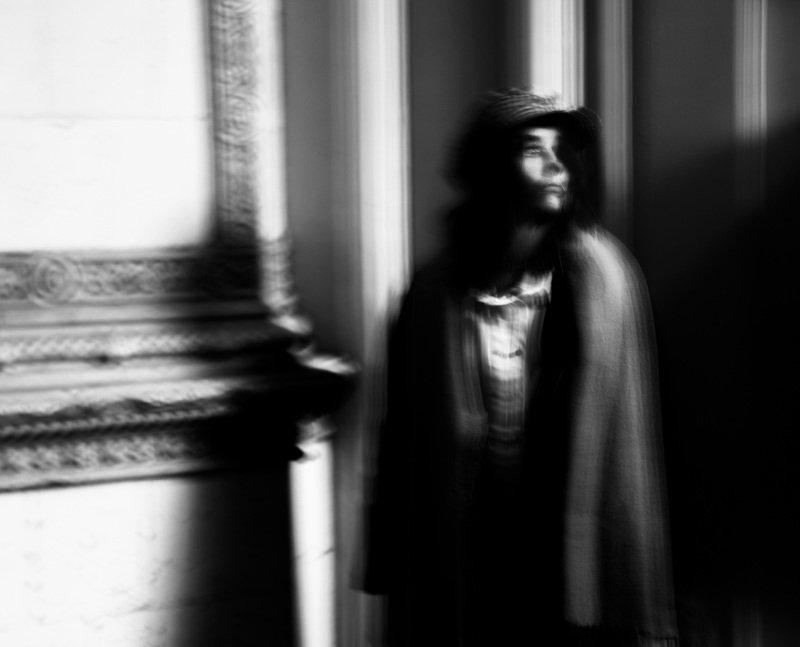чб,портрет,парадная,девушка Сашкаphoto preview