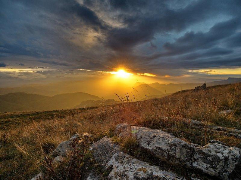 гора, рассвет, небо, плато, облака, утро, тучи, непогода photo preview