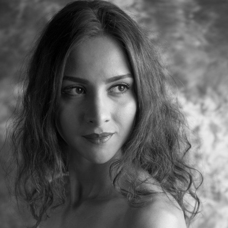 портрет, девушка, красота,чёрно-белое,глаза, взгляд,girl,beauty,portrait.female,woman, Аринаphoto preview