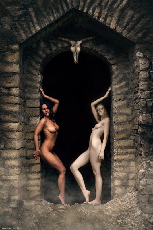 женщины,соблазн,обнажение,рай,ад,врата,арт,фото-арт,ню-арт Desine sperare qui hic intras (с)photo preview