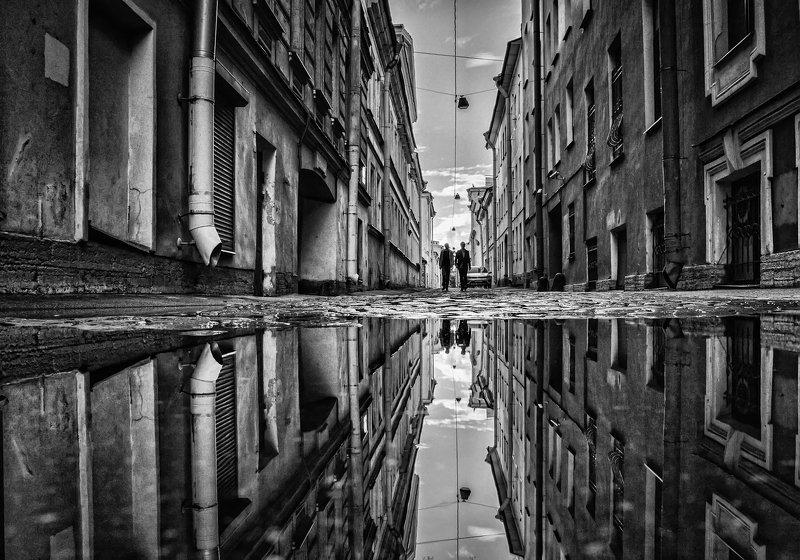 город,улица,петербург,архитектура,отражения,лужа По узкой улице.photo preview