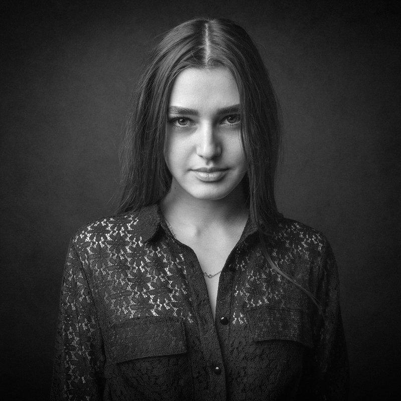 портрет, женский портрет, черно-белое Алинаphoto preview