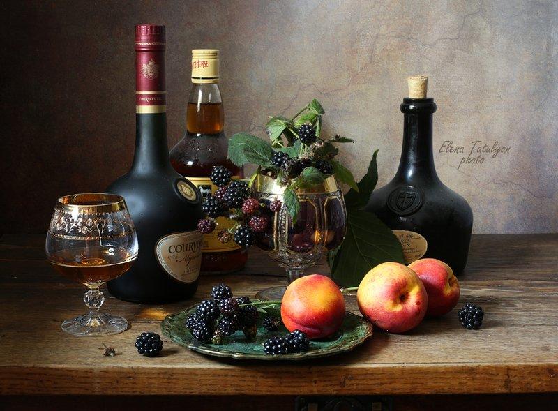 бутылки, крепкие напитки, виски, коньяк Крепкие напитки фото превью
