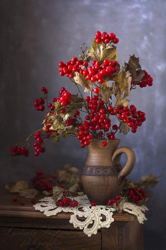 красивый натюрморт с калиной,ягоды. С калиной.photo preview