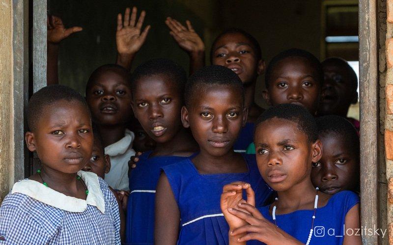 Школьницы, Угандаphoto preview