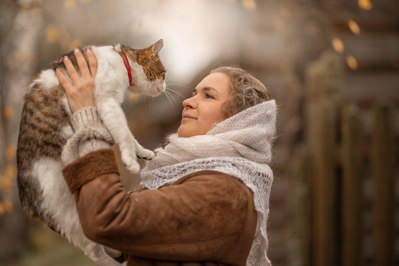 деревня,  животные, кошка, кот, осень, девушка, женщина, женский портрет Котphoto preview