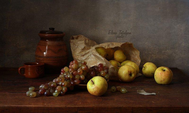 яблоки, виноград Яблоки и виноград фото превью