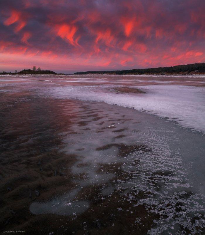 небо, закат, река, северная двина, осень, ноябрь, лед Закатные языки пламениphoto preview