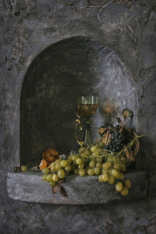 натюрморт, стекло, бокал, рёмер, ягода, виноград, мандарин, ниша Про виноград, мандаринку и рёмерphoto preview