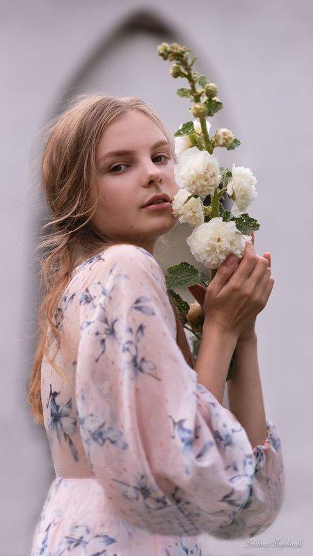 beauty, flower, emotion, portrait Malvasphoto preview