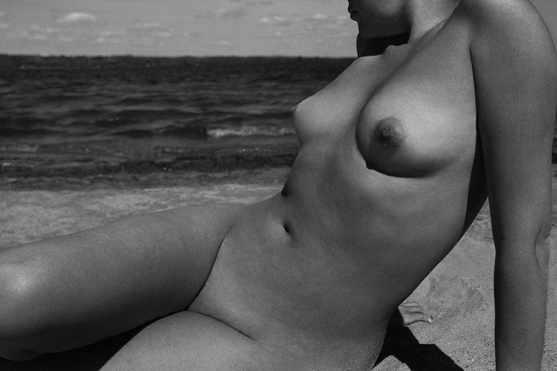 art nude, nude, fine art nude, bw nude, estet mf, minimalism nude, nude in the landscape *photo preview