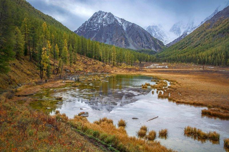 алтай,горы в осенней тишинеphoto preview